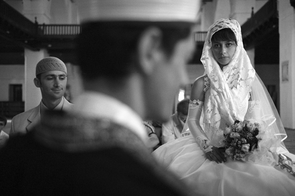 Wedding at the mosque of the Khan's palace in Bahchisaray, July 2006