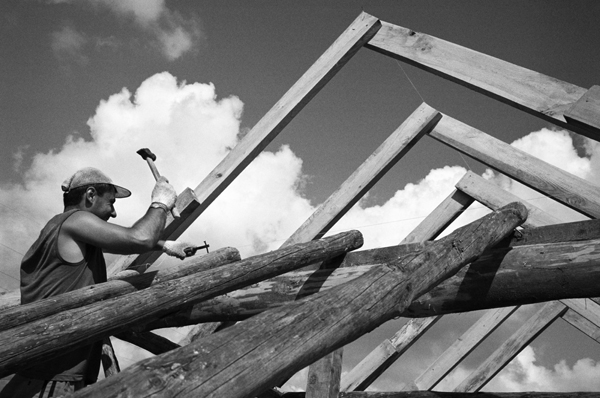 Building a new home. Bahchisaray, July 2007