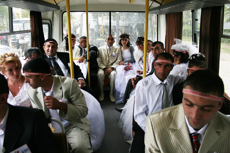 2008. The couples are taken from Shushi to Stepanakert by bus.