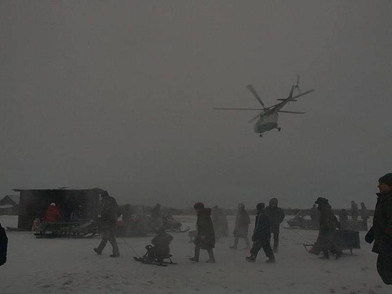 About 1200 people live in the settlement of Nes – amongst them are Nenets, Komi and Russians. You can only get to the settlement by helicopter – which flies in twice a week.